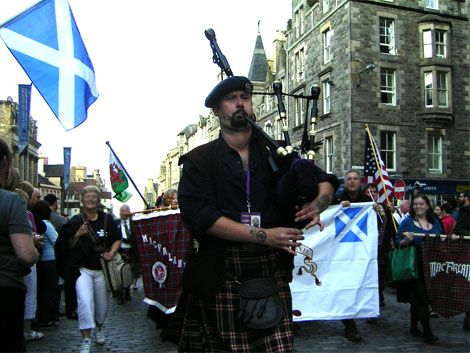 2009 gathering with Craig McFarlane.jpg