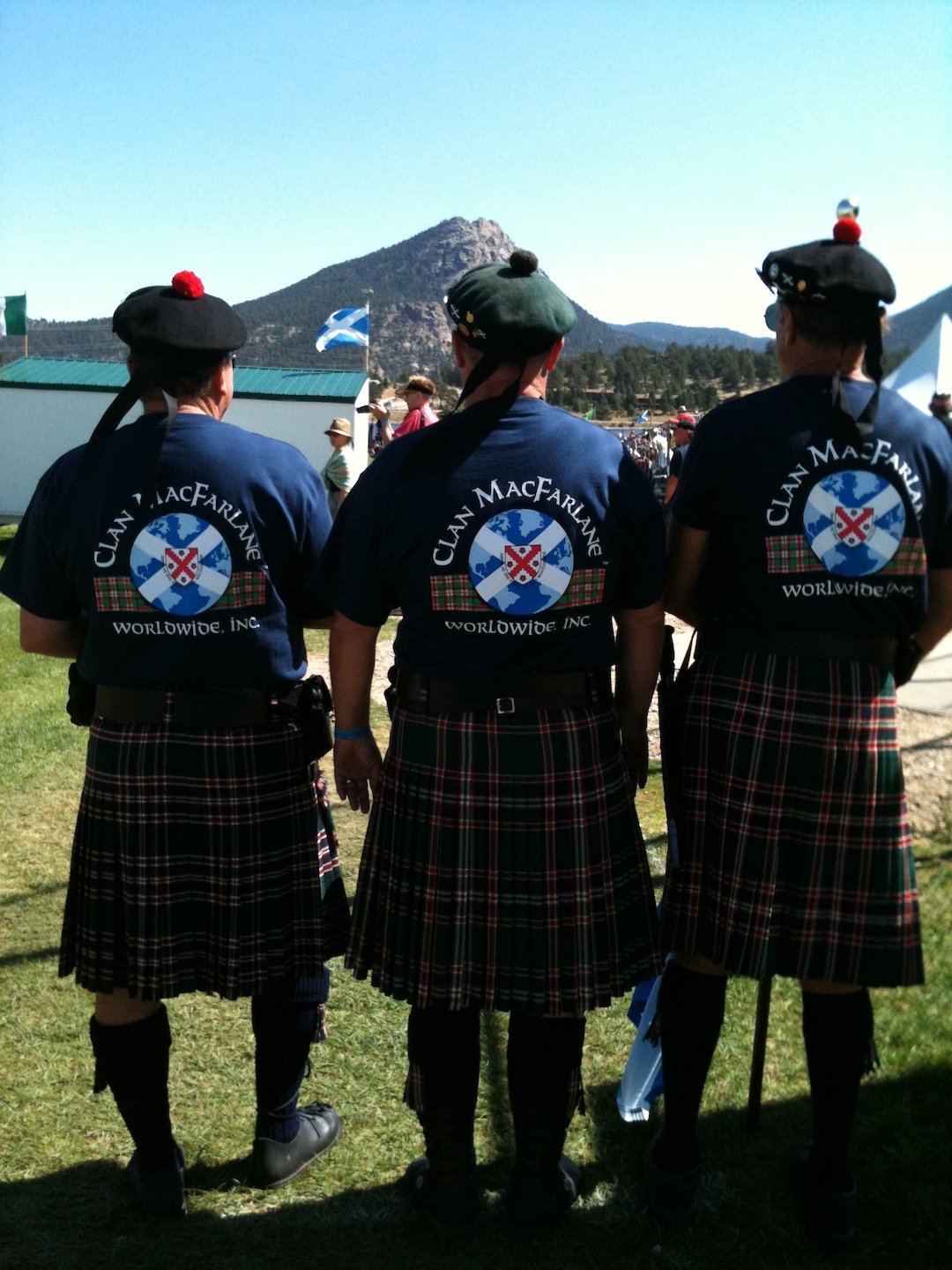 guys in cmw kilt